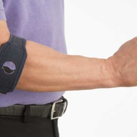 serola-gel-arc-elbow-brace-on-person